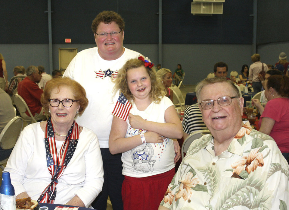 Photo - Lil Ross, Becky and Caroline, 9, Roten and Bill Ross.