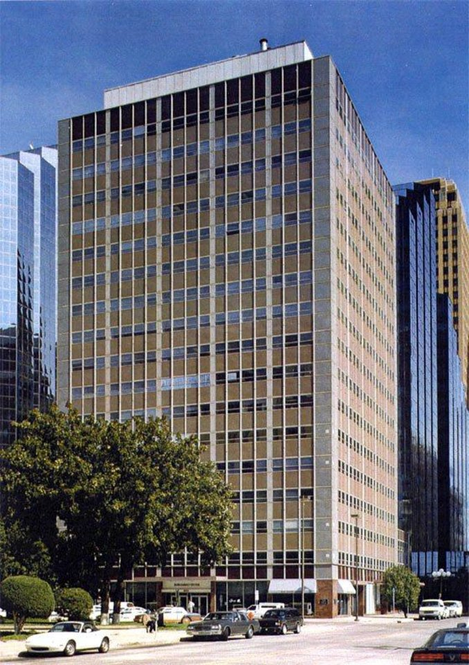 Photo - Sheldon Good & Co., a Denver auction company, says it will auction the 17-story Park Harvey Center in downtown Oklahoma City on Nov. 12.