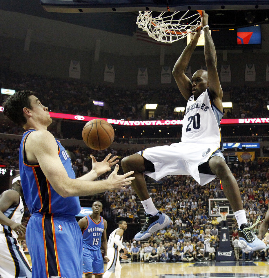 Photo - Oklahoma City's Nick Collison (4) watches as Memphis' Quincy Pondexter (20) dunks during Game 3 in the second round of the NBA basketball playoffs between the Oklahoma City Thunder and Memphis Grizzles at the FedExForum in Memphis, Tenn., Saturday, May 11, 2013. Memphis won, 87-81. Photo by Nate Billings, The Oklahoman