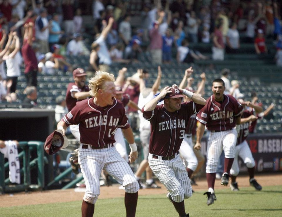 CELEBRATE / CELEBRATION / COLLEGE BASEBALL / BIG 12 BASEBALL TOURNAMENT / TEXAS A&M UNIVERSITY / BAYLOR UNIVERSITY: Texas A&M celebrates their win over Baylor following  the Big 12 Championship game between Texas A&M and Baylor, Sunday, May 30, 2010, at the AT&T Bricktown Ballpark in Oklahoma City. Photo by Sarah Phipps, The Oklahoman      ORG XMIT: KOD
