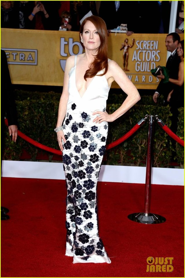 LOS ANGELES, CA - JANUARY 27:  Actress Julianne Moore arrives at the 19th Annual Screen Actors Guild Awards held at The Shrine Auditorium on January 27, 2013 in Los Angeles, California.  (Photo by Frazer Harrison/Getty Images)