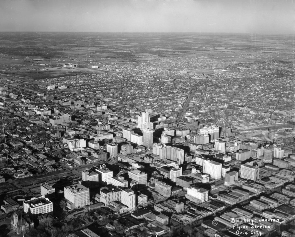 OKLAHOMA CITY / SKY LINE / OKLAHOMA / AERIAL VIEWS / AERIAL PHOTOGRAPHY / AIR VIEWS: No caption. Photo undated and published 04/16/1948 in The Daily Oklahoman (Centennial-Growth). Photo arrived in library on 02/14/1931.