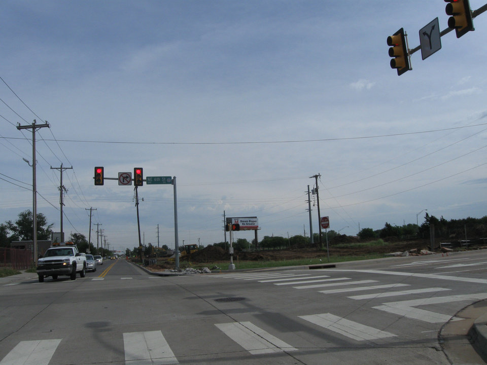 Photo -  Looking north from NE 6 at Oklahoma Avenue.