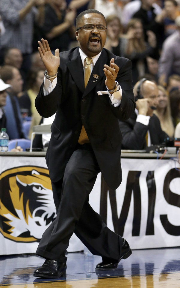 Missouri coach Frank Haith yells during the first half of his team's NCAA college basketball game against Illinois on Saturday, Dec. 22, 2012, in St. Louis. (AP Photo/Jeff Roberson)