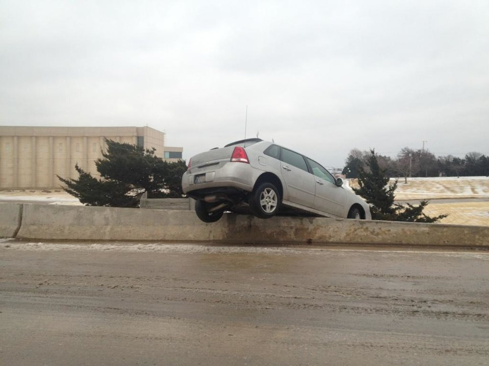 Photo - 4:30 pm Christmas Day, on N Lincoln near Oklahoma state office buildings.   Photo provided by a NewsOK contributor