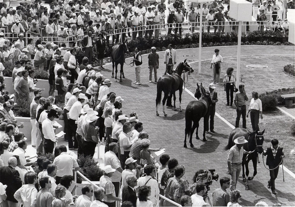 When Remington Park racetrack opened in 1988, the paddock was often flooded with fans.  OKLAHOMAN ARCHIVE PHOTO <strong></strong>