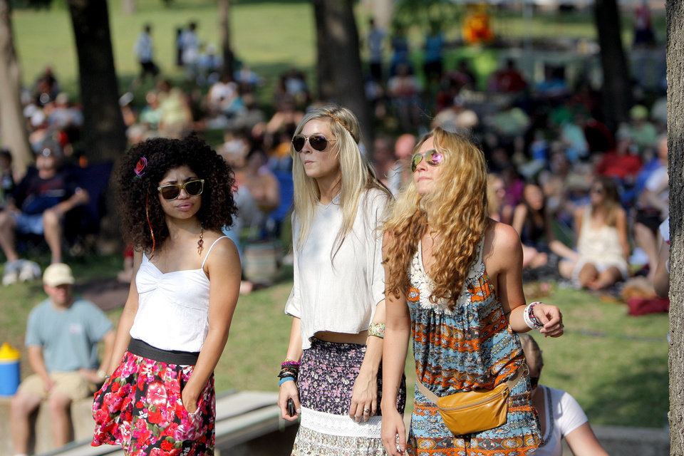 Lindsey Rickards, Hillary Titus and Chynna Collins dance during the  Edmond Jazz and Blues Festival at Stephenson Park, in Edmond, Okla., Saturday, May 28, 2011. Photo by Sarah Phipps, The Oklahoman Archives <strong>SARAH PHIPPS - SARAH PHIPPS</strong>