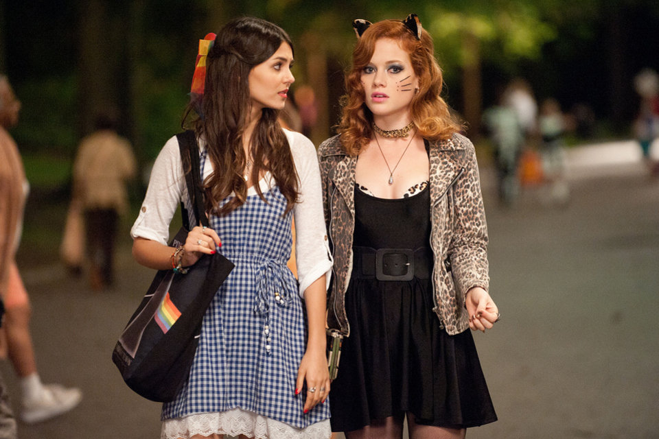 "This film image released by Paramount Pictures shows Victoria Justice as Wren, left, and Jane Levy as April in a scene from ""Fun Size.""  AP Photo/Paramount Pictures, Jaimie Trueblood <strong>Jaimie Trueblood - AP</strong>"