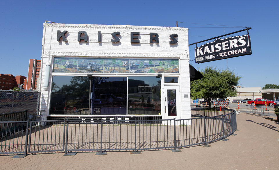 Photo -  The reopening of Kaiser's in Midtown is uncertain following the discovery of structural damage, some of which is believed to be related to expansion of the nearby St. Anthony Hospital. Photo by Paul B. Southerland   PAUL B. SOUTHERLAND -  PAUL B. SOUTHERLAND