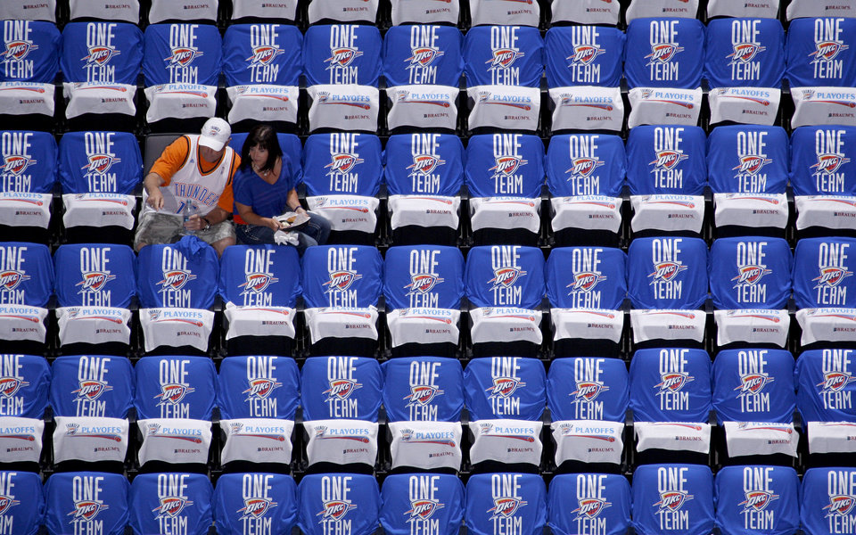 Photo - Fans find their seats before the start of Game 1 in the second round of the NBA playoffs between the Oklahoma City Thunder and L.A. Lakers at Chesapeake Energy Arena in Oklahoma City, Monday, May 14, 2012. Photo by Bryan Terry, The Oklahoman