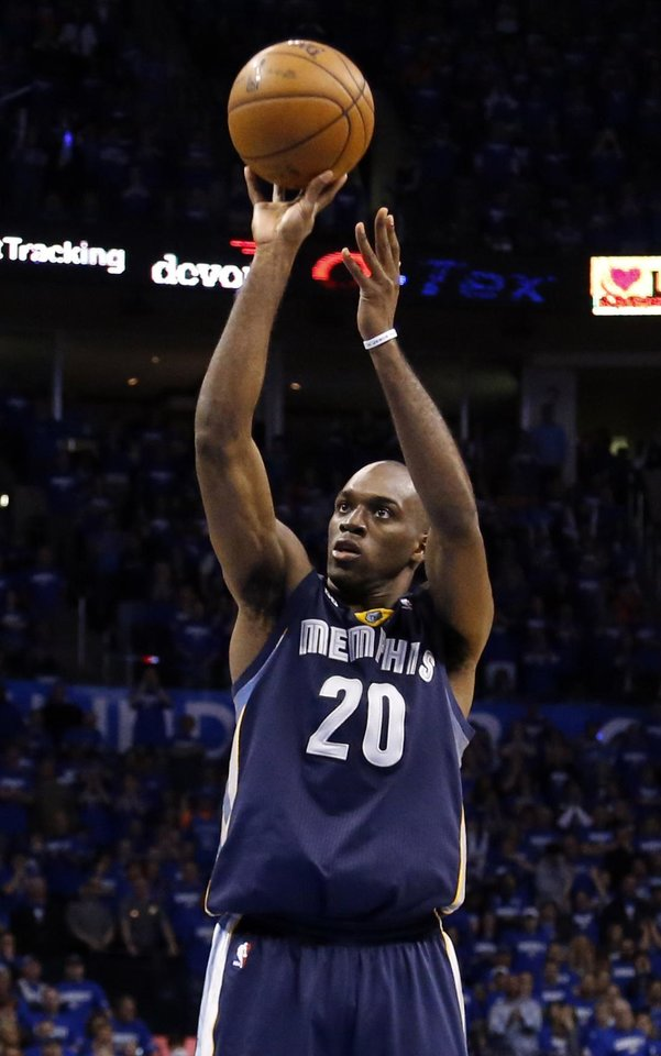 Photo - Memphis' Quincy Pondexter (20) shoots and misses a free throw in the final seconds of  Game 1 in the second round of the NBA playoffs between the Oklahoma City Thunder and the Memphis Grizzlies at Chesapeake Energy Arena in Oklahoma City, Sunday, May 5, 2013. Photo by Sarah Phipps, The Oklahoman