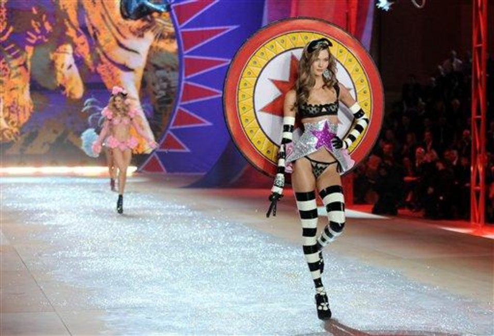 Models walks the runway during the 2012 Victoria\'s Secret Fashion Show on Wednesday Nov. 7, 2012 in New York. The show will be Broadcast on Tuesday, Dec. 4 (10:00 PM, ET/PT) on CBS. (Photo by Evan Agostini/Invision/AP)