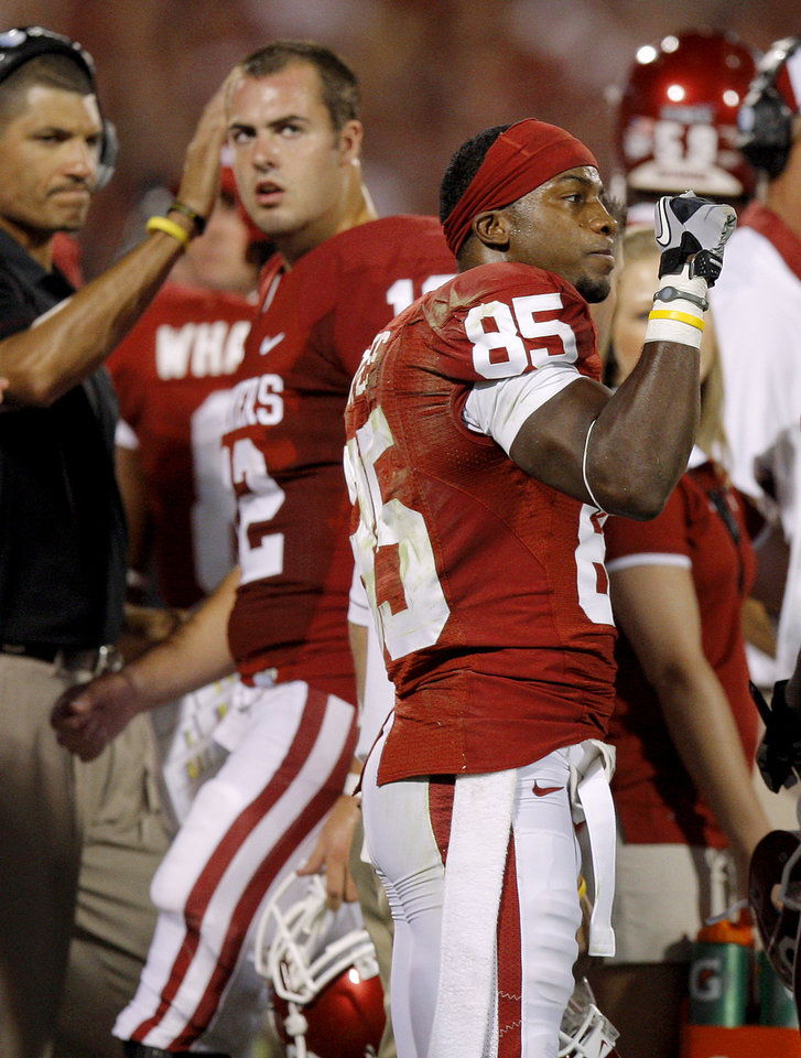 Photo - Oklahoma's Ryan Broyles (85) reacts after a touchdown was upheld following a review in the college football game between the University of Oklahoma Sooners (OU) and the University of Missouri Tigers (MU) at the Gaylord Family-Memorial Stadium on Saturday, Sept. 24, 2011, in Norman, Okla. Photo by Bryan Terry, The Oklahoman