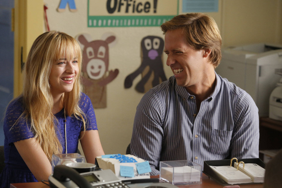 Dakota Johnson, left, and Nat Faxon star in the Fox sitcom �Ben and Kate,� which debuts at 7:30 p.m. Tuesday. Fox photo