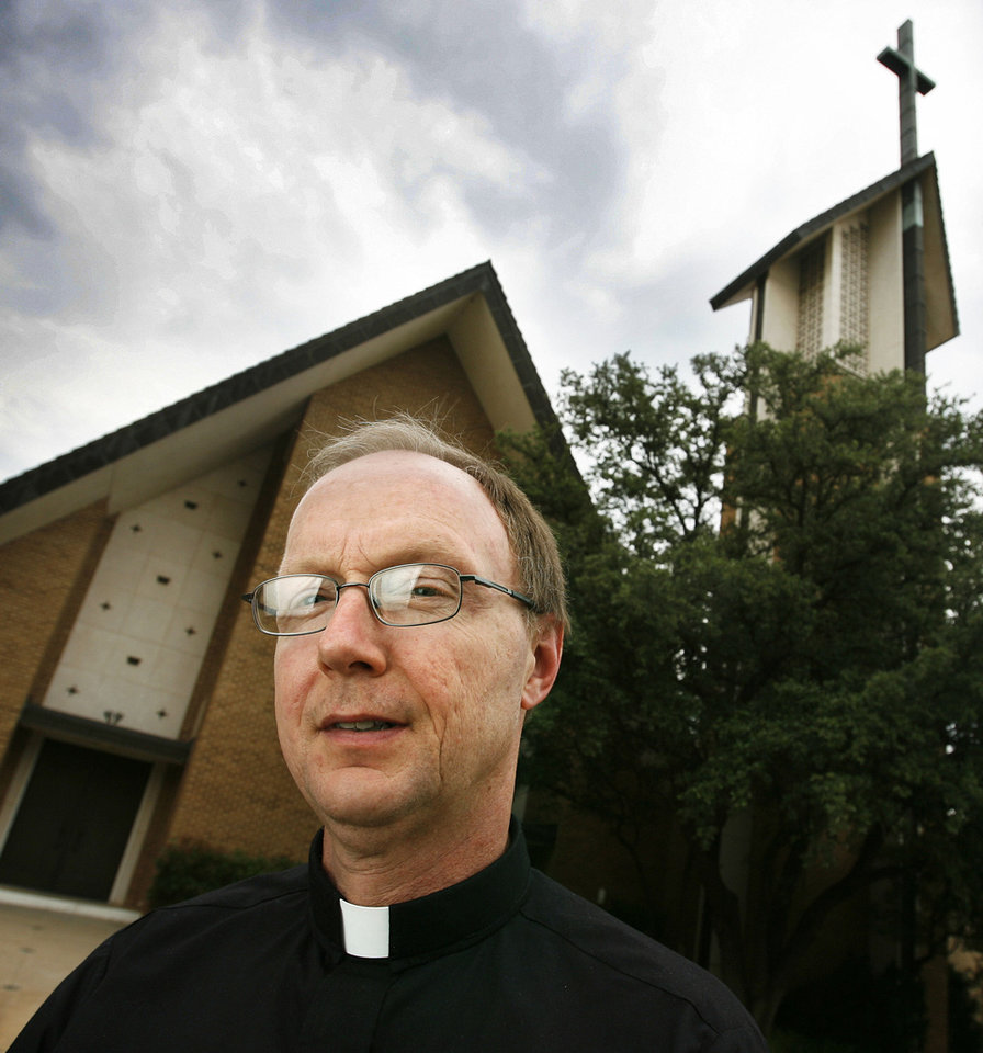 Photo - The Rev. Rick Stansberry  James Plumlee - THE OKLAHOMAN