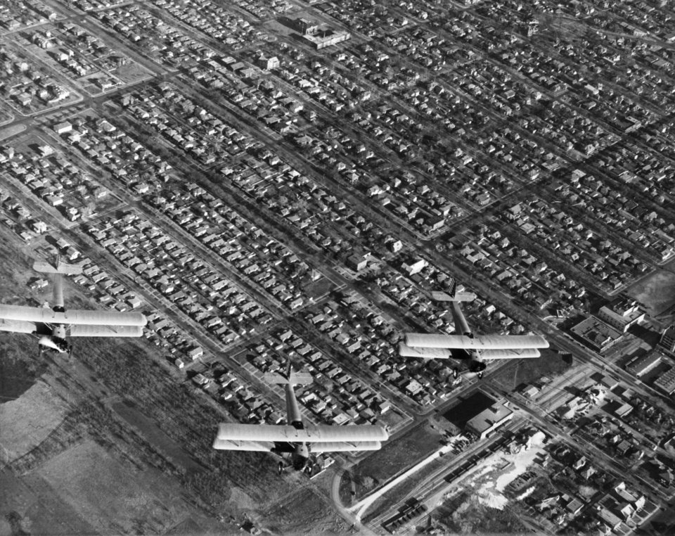OKLAHOMA CITY / SKY LINE / OKLAHOMA / AERIAL VIEWS / AERIAL PHOTOGRAPHY / AIR VIEWS:  No caption.  Staff photo by C.J. Kaho.  Photo dated 04/06/1936 and unpublished.  Photo arrived in library 04/08/1936.