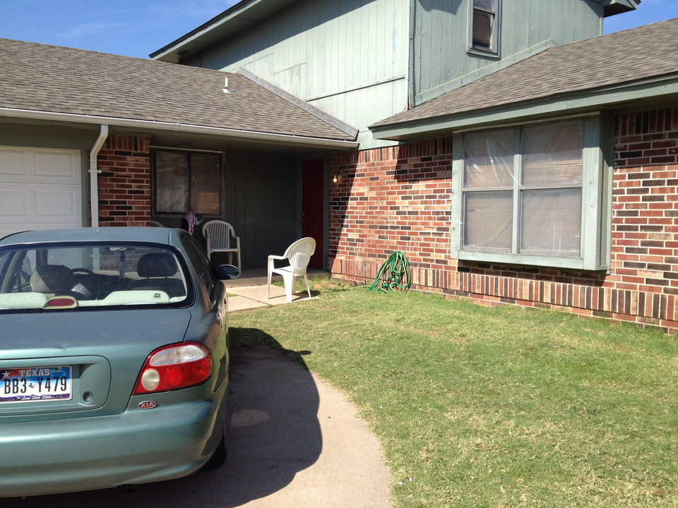Photo - Police were called at 11:45 p.m. Saturday, Oct. 20, 2012 to 9409 Eagle Hill Drive in northwest Oklahoma City after a man was found shot to death on a couch inside the home. A 3-year-old child was next to the man on the couch, unharmed, police said.      Juliana Keeping