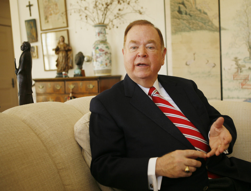 Photo - OU: University of Oklahoma president and author David Boren is interviewed at Boyd House in Norman, Thursday, Feb. 14, 2008, about his new book,