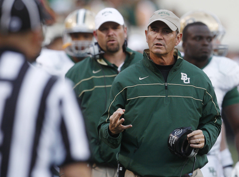 Photo - Could Art Briles' Baylor Bears be on upset alert Saturday vs. SMU? The Oklahoman's Berry Tramel says yes. AP PHOTO  Sue Ogrocki