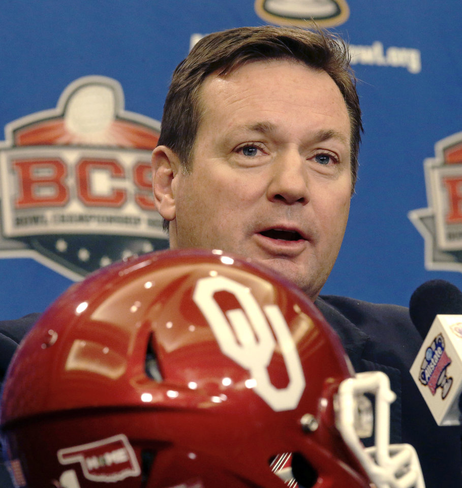 Oklahoma head coach Bob Stoops talks to media during an NCAA college football news conference in New Orleans, Wednesday, Jan. 1, 2014. Oklahoma takes on Alabama in the Sugar Bowl on Thursday. (AP Photo/Gerald Herbert)