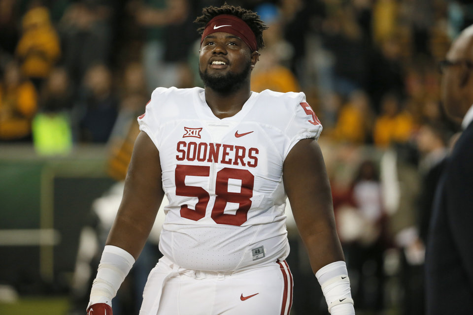 Photo -  Erick Wren is in the running to start at center for OU. [AP photo]