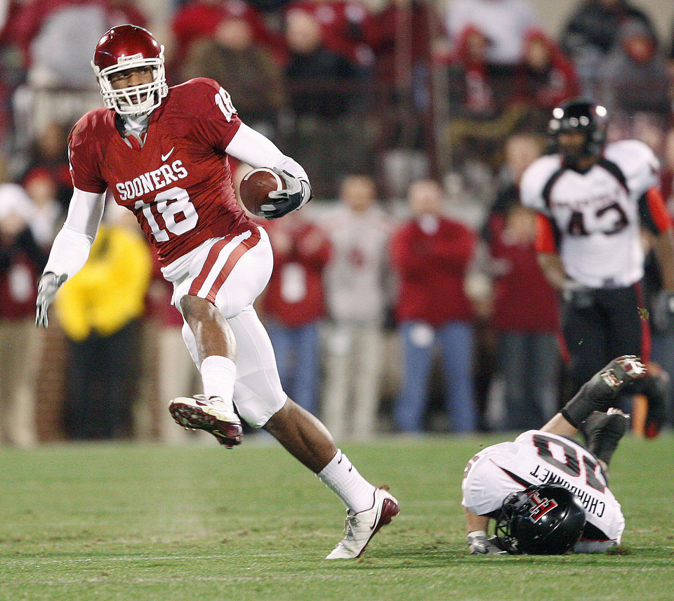 Jermaine Gresham was the top tight end of the Bob Stoops era.  Photo BY BRYAN TERRY, THE OKLAHOMAN