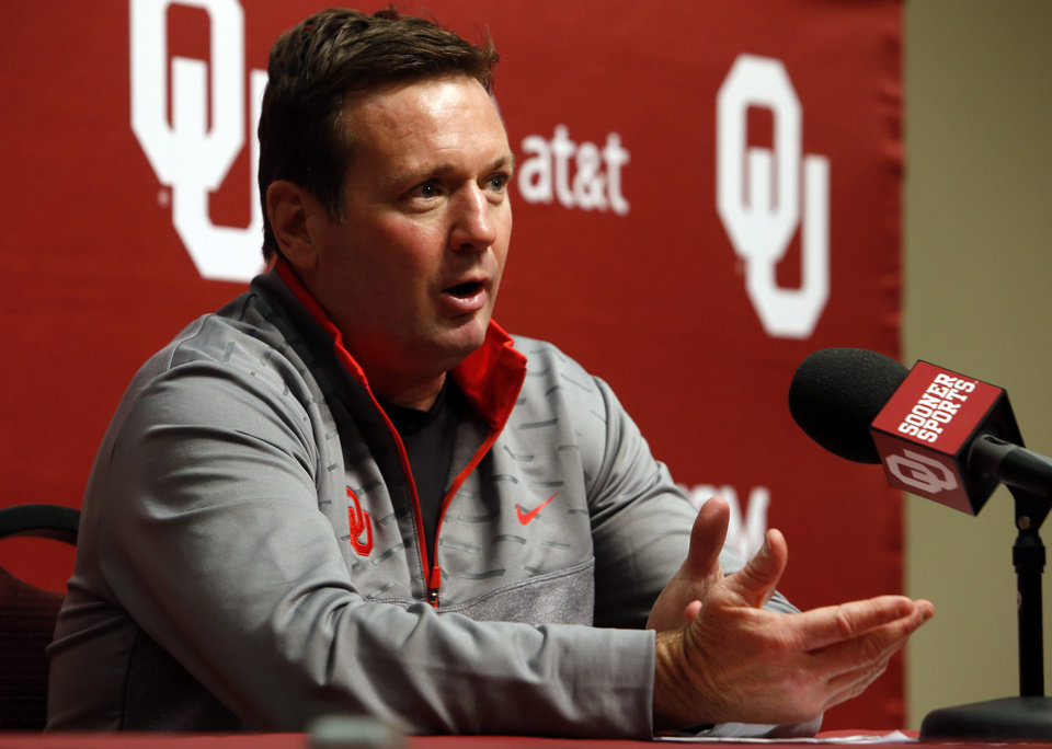 Photo - NATIONAL SIGNING DAY / SIGN / SIGNED / LETTER-OF-INTENT SIGNING DAY: University of Oklahoma head football coach Bob Stoops speaks during a press conference on National Signing Day at OU on Wednesday, Feb. 6, 2013, in Norman, Okla.  Photo by Steve Sisney, The Oklahoman