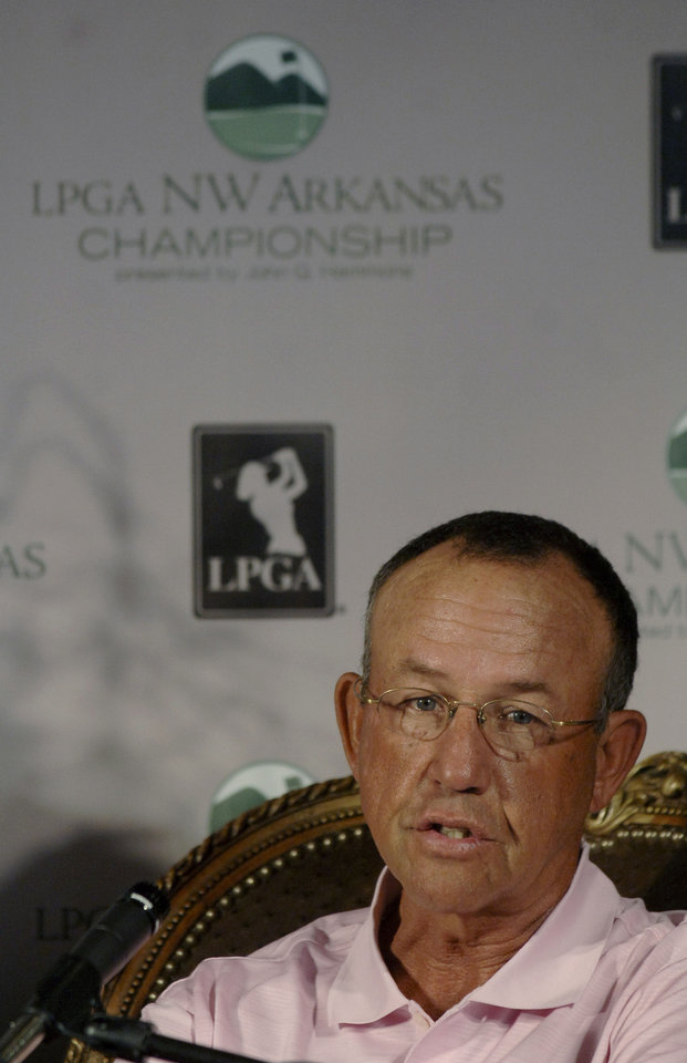Former Oklahoma women�s golf coach Doug Brecht, shown here during a 2007 LPGA press conference, passed away on Friday after a lengthy battle with West Nile virus. AP PHOTO