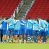 Photo - Honduras' soccer team players gather on the field during a training session at the Estadio Beira-Rio in Porto Alegre, Brazil, Saturday, June 14, 2014.  Honduras will play in E group of the Brazil 2014 World Cup. (AP Photo/David Vincent)