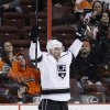 Photo - Los Angeles Kings' Jeff Carter reacts after scoring a goal during the second period of an NHL hockey game against the Philadelphia Flyers, Monday, March 24, 2014, in Philadelphia. (AP Photo/Matt Slocum)