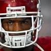Photo - DeMarco Murray before the start of the college football game between the University of Oklahoma Sooners (OU) and the Iowa State Cyclones (ISU) at the Gaylord Family-Oklahoma Memorial Stadium on Saturday, Oct. 16, 2010, in Norman, Okla.  Photo by Chris Landsberger, The Oklahoman