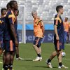 Photo - Colombia's head coach Jose Pekerman, center, watches his players during an official training session the day before the group C World Cup soccer match between Colombia and Greece at the Mineirao Stadium in Belo Horizonte, Brazil, Friday, June 13, 2014.  (AP Photo/Fernando Vergara )