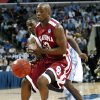 NCAA TOURNAMENT / COLLEGE BASKETBALL / ELITE 8 / UNIVERSITY OF OKLAHOMA / OU: North Carolina\'s Ty Lawson creates a turnover on Oklahoma\'s Willie Warren during the second half in the Elite Eight game of NCAA Men\'s Basketball Regional between the University of North Carolina and the University of Oklahoma at the FedEx Forum on Sunday, March 29, 2009, in Memphis, Tenn. PHOTO BY CHRIS LANDSBERGER, THE OKLAHOMAN ORG XMIT: KOD