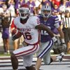 Oklahoma Sooners\' Jaz Reynolds (16) scores a touchdown in front of Kansas State Wildcats\' Ty Zimmerman (12) during the college football game between the University of Oklahoma Sooners (OU) and the Kansas State University Wildcats (KSU) at Bill Snyder Family Stadium on Sunday, Oct. 30, 2011. in Manhattan, Kan. Photo by Chris Landsberger, The Oklahoman ORG XMIT: KOD