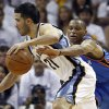 Oklahoma City Thunder guard Russell Westbrook, right, defends against Memphis Grizzlies guard Greivis Vasquez (21) during the second half of Game 4 of a second-round NBA basketball playoff series on Monday, May 9, 2011, in Memphis, Tenn. (AP Photo/Wade Payne)