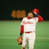MAJOR LEAGUE BASEBALL / REACTION: The Philadelphia Phillies\' John Kruk reacts after a missed double play in the ninth inning of Game 3 of the World Series with Toronto Blue Jays in Philadelphia, on Oct. 19, 1993. The Jays crushed the Phillies 10-3 to take a 2-1 lead in the best-of-seven-series. (AP Photo/Elise Amendola) ORG XMIT: APHS130003 ORG XMIT: 0805311935212896