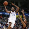 Oklaoma City\'s Kevin Durant (35) flies to the hoop past Chicago\'s Derrick Rose (1) in the second half of the NBA basketball game between the Chicago Bulls and the Oklahoma City Thunder at the Ford Center in Oklahoma City, Wednesday, March 18, 2009. Chicago won, 103-96. PHOTO BY NATE BILLINGS, THE OKLAHOMAN