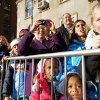Spectators line the sidewalk as balloons and bands make their way down New York\'s Central Park West in the 86th annual Macy\'s Thanksgiving Day Parade,Thursday, Nov 22, 2012. (AP Photo/ Louis Lanzano)