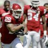 OU\'s Chris brown runs the ball before Oklahoma\'s Red-White football game at The Gaylord Family - Oklahoma Memorial Stadiumin Norman, Okla., Saturday, April 11, 2009. Photo by Bryan Terry, The Oklahoman