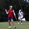 Photo -   So Yeon Ryu waves to the applauding crowd after sinking her putt on the 18th hole during round one at the CME Group Titleholders on Thursday Nov. 15, 2012 at Twin Eagles Golf Club in Naples, Fla. (AP Photo/ Naples Daily News, Scott McIntyre)