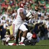 Oklahoma\'s Frank Shannon (20) intercepts a pass from Notre Dame\'s Tommy Rees during the first half of an NCAA college football game on Saturday, Sept. 28, 2013, in South Bend, Ind. (AP Photo/Darron Cummings) ORG XMIT: INDC103