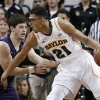 Baylor center Isaiah Austin (21) attempts to get by Northwestern\'s Dave Sobolewski during the first half of an NCAA college basketball game Tuesday, Dec. 4, 2012, in Waco, Texas. (AP Photo/Tony Gutierrez)