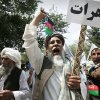 Photo -   Afghans chant anti-government slogans during a protest in Kabul, Afghanistan, Sunday, July 8, 2012. Hundreds of Afghans part of the Wefaq's party protested against the government for reforms in governmental positions. (AP Photo/Ahmad Nazar)