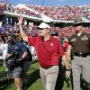 Head coach Bob Stoops waves to the crowd after the college football game where the University of Oklahoma Sooners (OU) defeated the Texas Christian University Horned Frogs (TCU) 24-17 at Amon G. Carter Stadium in Fort Worth, Texas, on Saturday, Dec. 1, 2012. Photo by Steve Sisney, The Oklahoman