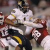 Oklahoma\'s Travis Lewis (28) stops Missouri\'s James Franklin (1) during the college football game between the University of Oklahoma Sooners (OU) and the University of Missouri Tigers (MU) at the Gaylord Family-Memorial Stadium on Saturday, Sept. 24, 2011, in Norman, Okla. Photo by Chris Landsberger, The Oklahoman
