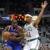 New York Knicks\' Raymond Felton (2), left, is guarded by Boston Celtics\' Courtney Lee (11), right, in the first half of an NBA preseason basketball game Saturday, Oct. 13, 2012, in Hartford, Conn. (AP Photo/Jessica Hill)