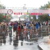 Concert goers leave the Made in America Festival after the grounds are evacuated due to thunderstorms on Sunday, Aug. 31, 2014, in Philadelphia. (Photo by Charles Sykes/Invision/AP)