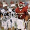 OU\'s DeMarco Murray runs for a touchdown during the second half of the college football game between the University of Oklahoma Sooners (OU) and Utah State University Aggies (USU) at the Gaylord Family-Oklahoma Memorial Stadium on Saturday, Sept. 4, 2010, in Norman, Okla. Photo by Bryan Terry, The Oklahoman