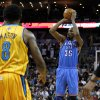 Oklahoma City\'s Kevin Durant (35) shoots the ball in front of New Orleans Hornets Roger Mason Jr. (8) during the second half of an NBA basketball game in New Orleans, Friday, Nov. 16, 2012. The Thunder won 110-95. (AP Photo/Jonathan Bachman) ORG XMIT: LAJB108