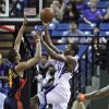 Sacramento Kings forward Desmond Mason, right, drives to the basket against Golden State Warriors forward Anthony Randolph during the second quarter of an NBA preseason game in Sacramento, Calif., Saturday, Oct. 17, 2009. (AP Photo/Rich Pedroncelli) ORG XMIT: SCA103